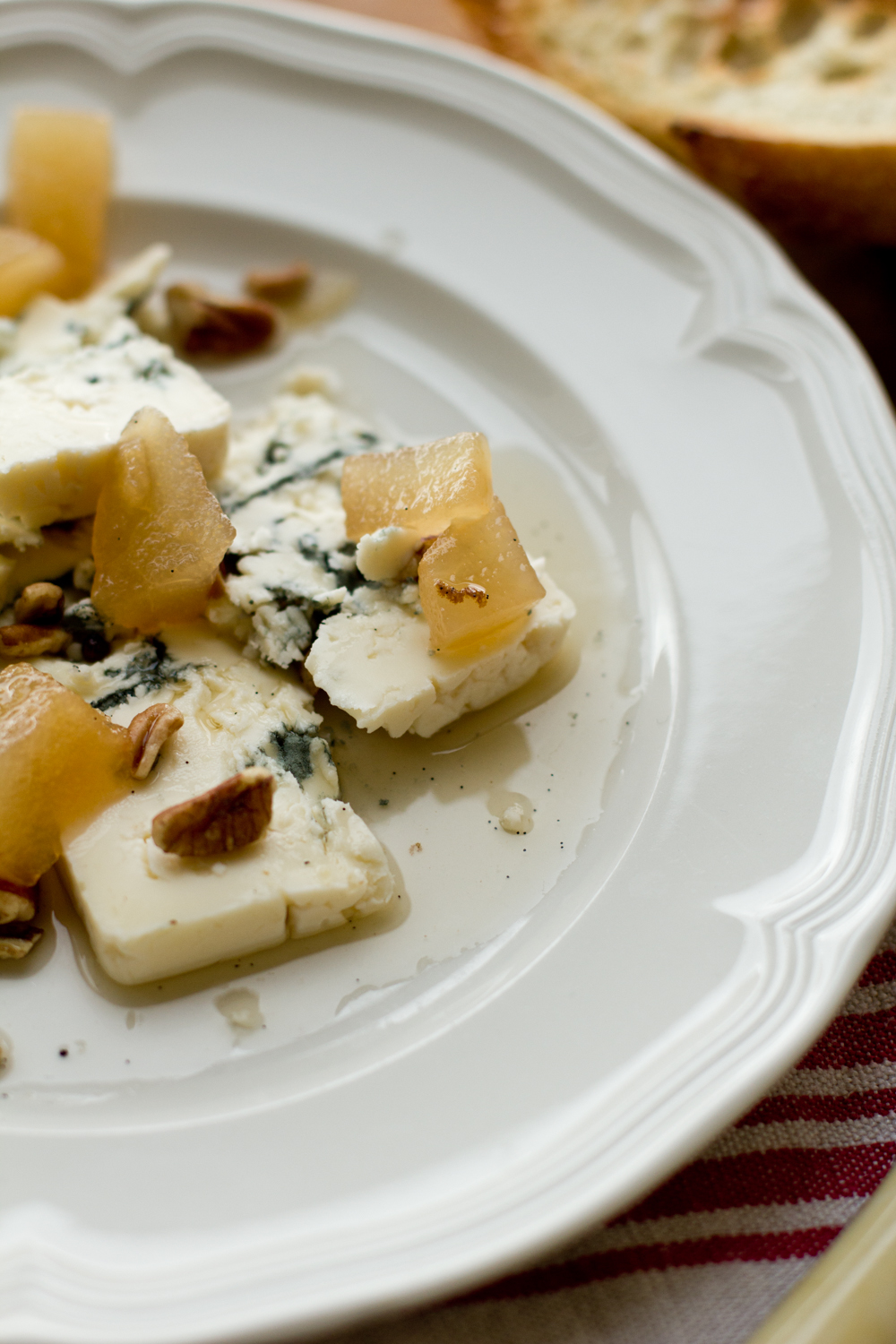 Blue Cheese with Pear Vanilla Aigre-Doux_© 2012 Helena McMurdo